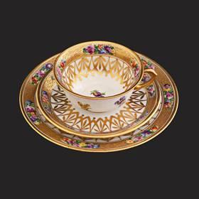 Resim Dresden 24k sıvama altın el boyama trio çay takımı