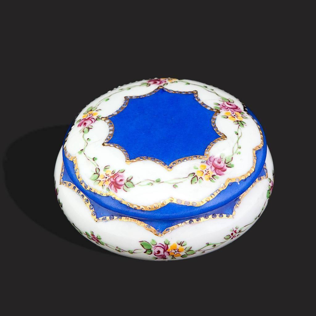 resm Peint Main Mavi Çiçek Desenli Şekerlik